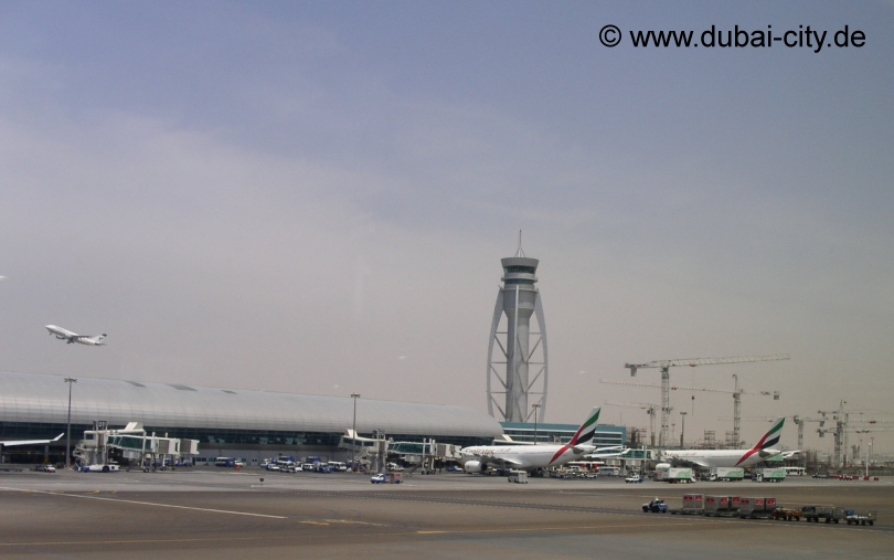 Dubai Flughafen ( Dubai International Airport )